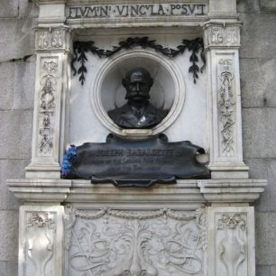 Bust on Embankment