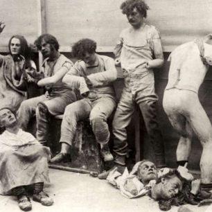 Wax figures after fire at Madam Tussauds 1925