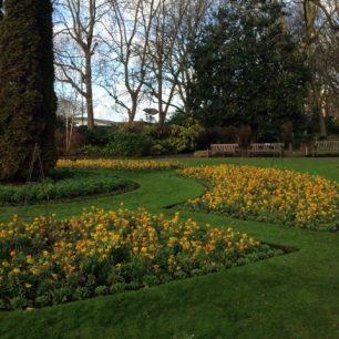 St John's Wood church gardens 2018