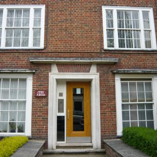 Altered doorway in Cochrane Street