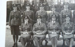 Trying to trace my mother from a wartime photo