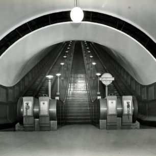 1939 escalators St John's Wood Station (c) Tfl from the London Transport Museum Collection