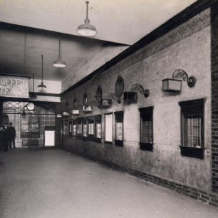 St John's Wood Road station  Booking hall 1934 (c)Tfl from the London Transport Museum Collection
