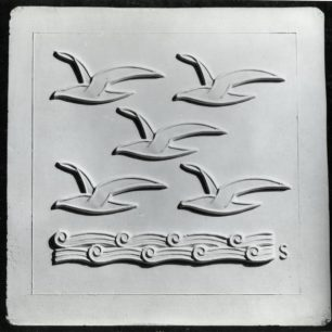 Stabler tile Five gulls (c) Tfl from the London Transport Museum Collection
