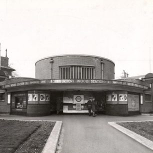 St John's Wood station 1944 (c) Tfl from the London Transport Museum Collection