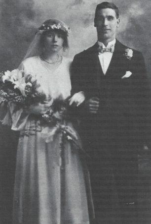 George and Maud Peerless on their wedding day 1922