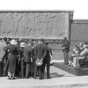 Unveiling of Lords sculpture by Gilbert Bayes
