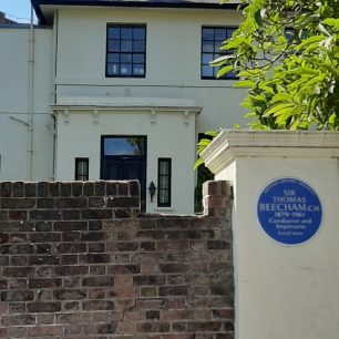 Sir Thomas Beecham house and plaque