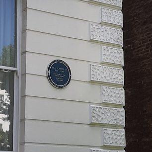 Rabbi Hertz house and plaque