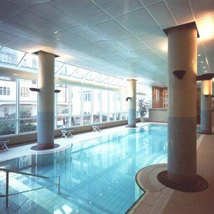 20 Abbey Road swimming pool   2020