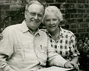 Sir Charles Mackerras with his wife Judy