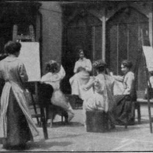 Ladies sketching at St John's Wood School of Art