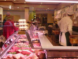 Customers in Kents   Louise Brodie