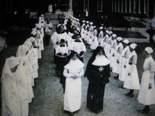 Sisters & nurses 1988