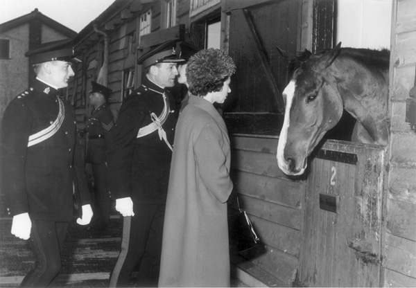 View of Queen Elizabeth II inspecting the stable sof the Royal Horse Artillery at St John's Wood Barracks, November 1062 | Copyright Westminster City Archives