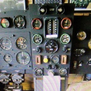 Instrument panel of Wellington bomber | David Wright 2010