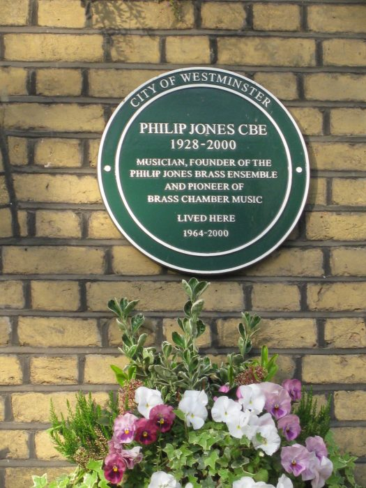 Green Plaque at 17 Hamilton Terrace | Jeanne Strang