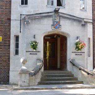 Hillsborough Court | Louise Brodie