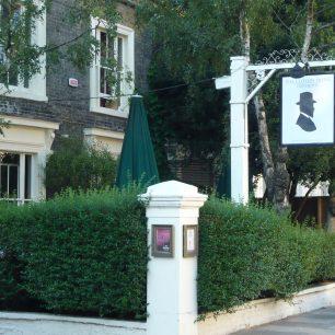 Clifton Pub 2012 | Louise Brodie