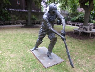 Statue of W G Grace | Louise Brodie