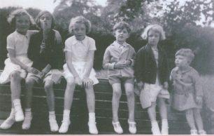?, cousin Barbara, ?, royston, cousin Joan and Reg 1937 | Reg Page