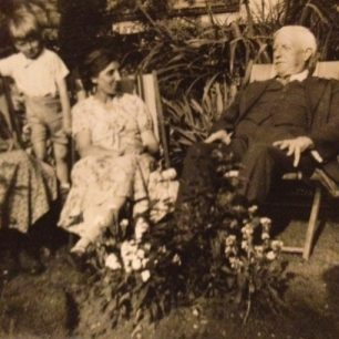 Roy Young and family at 1 Hall Road   Roy Young