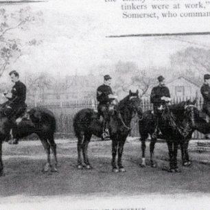 Sketching on horseback | Westminster Archives